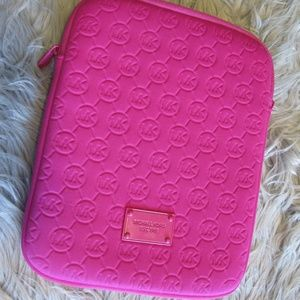 Michael Kors pink cushioned ipad/tablet case